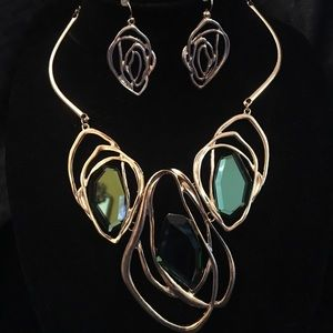 Green and gold necklace set